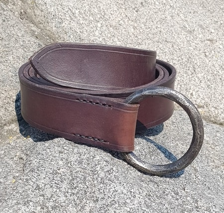 ALBAN, leather belt with forged buckle