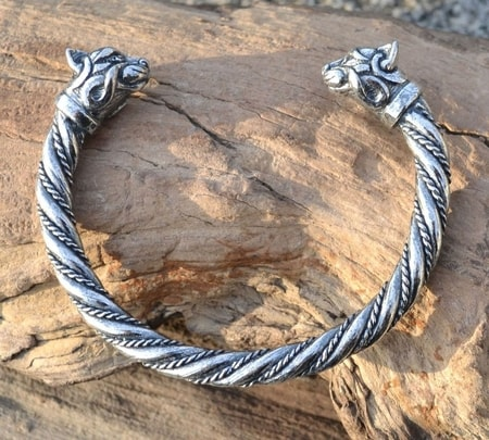 CELTIC CAT, STERLING SILVER BRACELET, 36 G.