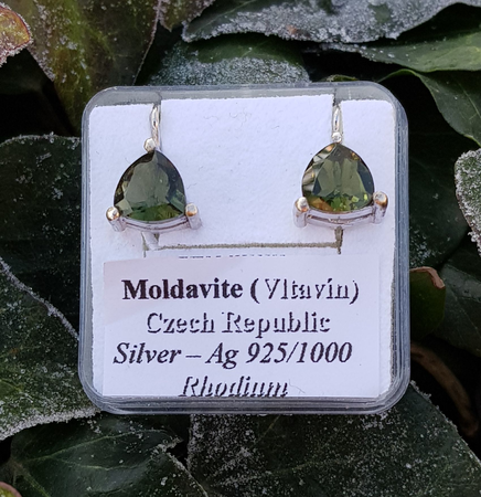 TRIANGULAR - MOLDAVITE EARRINGS 8X8 SILVER
