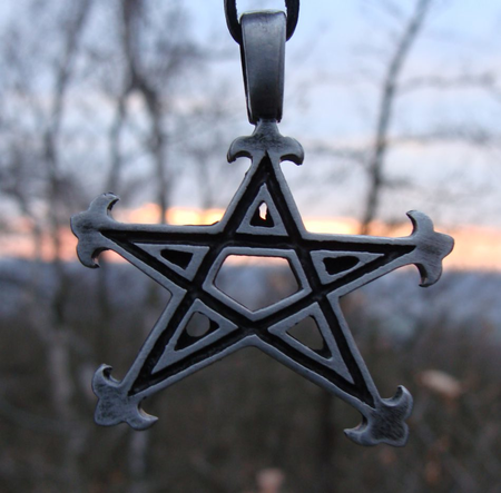 PENTACLE WITH LEAVES, PEDNANT