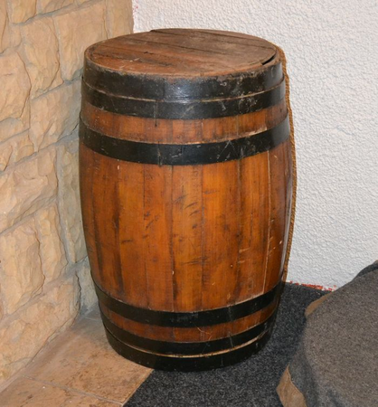OLD OAK BARREL, FOR RENTAL