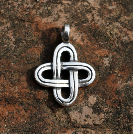 SIMPLE KNOT, SILVER PENDANT