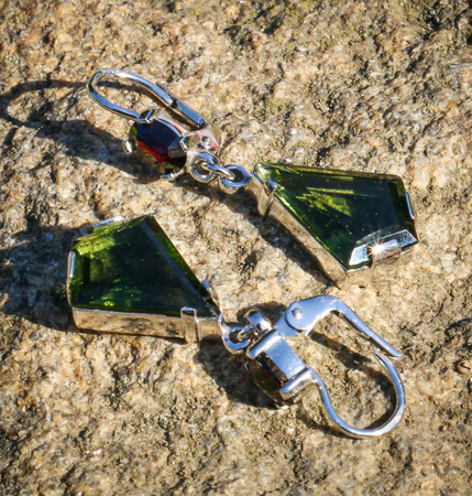 RHONDA, SILVER EARRINGS, MOLDAVITE, GARNET