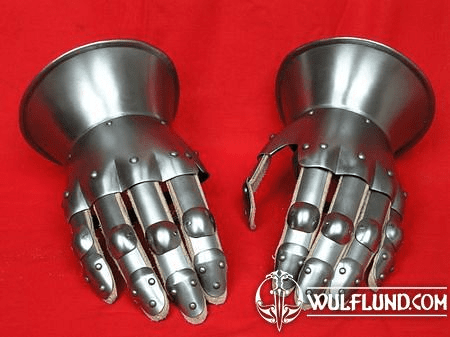HOURGLASS GAUNTLETS, 14TH CENTURY