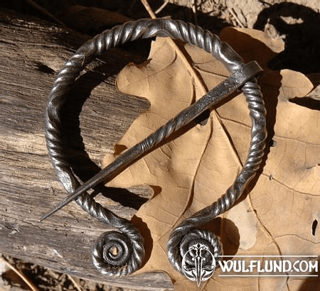 FORGED PENANNULAR BROOCH DE LUXE