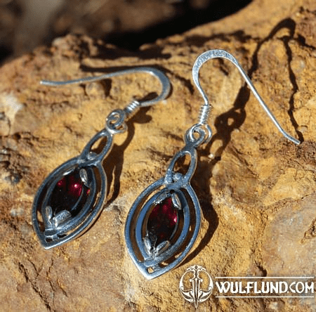MAIA EARRINGS, SILVER AND GARNET