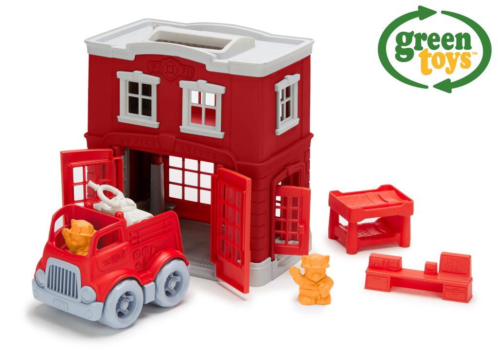 Green Toys Hasičská stanice s autíčkem, Green Toys, W009294