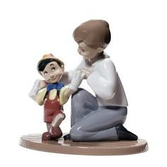 Pinnochio's first steps, 14 x 14 cm, NAO porcelain figures