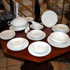 Dining set for 6 persons, Future white, Thun 1794 Carlsbad porcelain, FUTURE