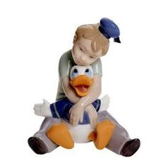 Daydreaming with Donald, 12 x 9 cm, NAO porcelain figures
