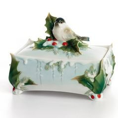 Winter wonderland chickadee design sculptured porcelain lidded box 12 cm, FRANZ Porcelain