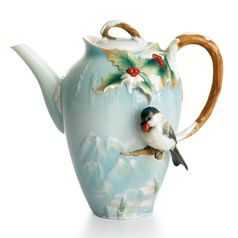Winter wonderland chickadee design sculptured porcelain teapot 21 cm, FRANZ Porcelain