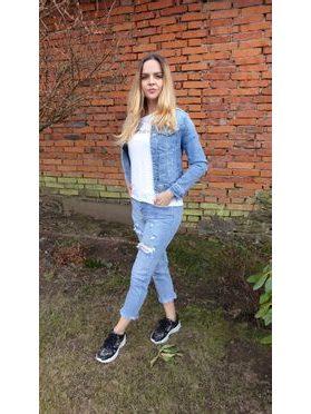 Mom Fit jeans s trháním