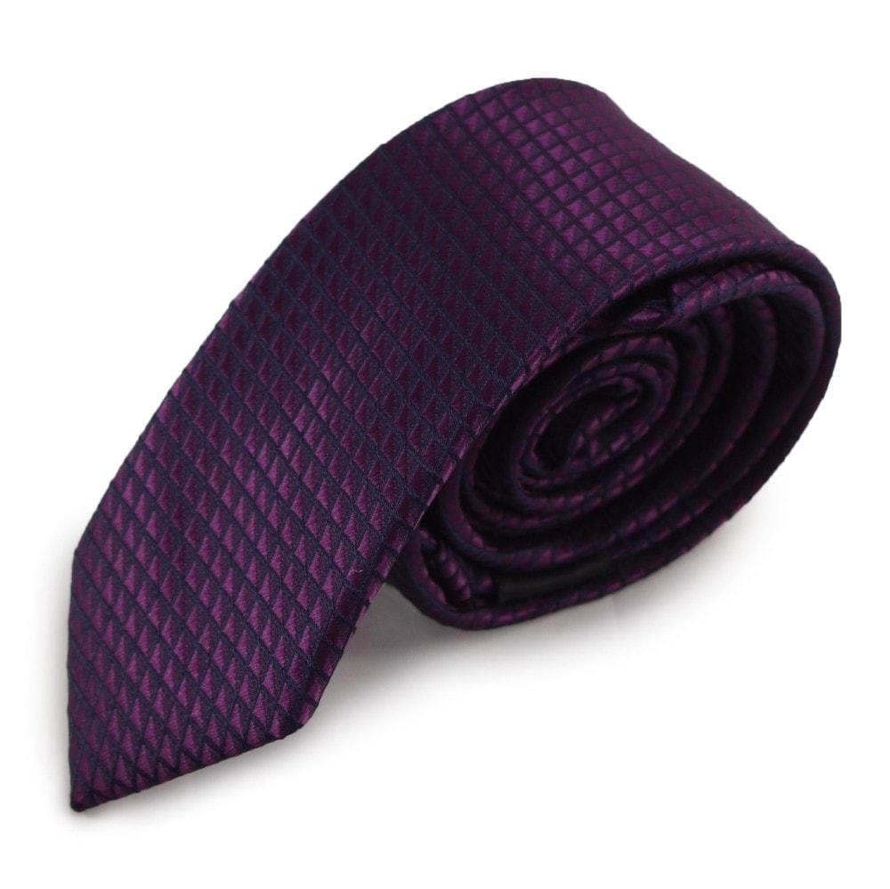 Fialová úzká mikrovláknová kravata s decentním vzorem